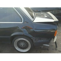 1990 325I BMW SDN 2DR/BLACK REAR DAMGED FOR PARTS