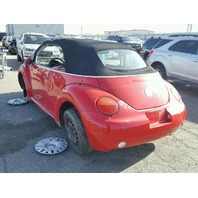 2005 beetle volkswagen conv 2dr/red for parts