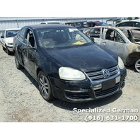 2006 Volkswagen Jetta TDI black damage right side for parts