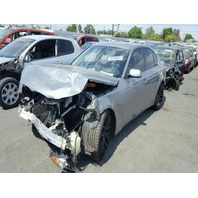 2006 BMW 550i, grey, hit front