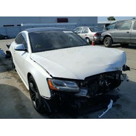 2009 Audi S5 Coupe White Damaged Front End