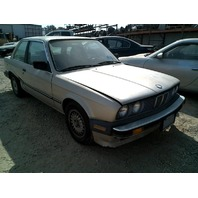 1986 BMW 325E 2 Door Golf Damaged Right Side