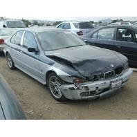 2000 BMW 540i Sedan Silver Damaged Front