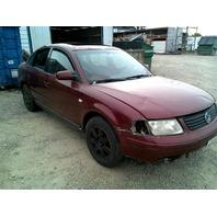 2000 Volkswagen Passat Red Sedan