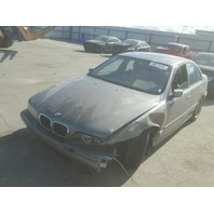 2002 BMW 530i, E39, 3.0L, a/t, Sdn, Grey, hit lh front