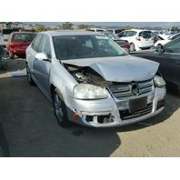 2009 VW Jetta SE, 2.5L, m/t, fwd, Silver, hit rear/front