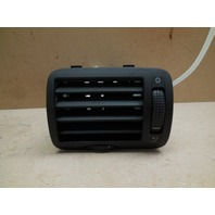 98 99 00 01 02 03 04 05 Volkswagen Passat Left Dash Air Vent 3B0819703D