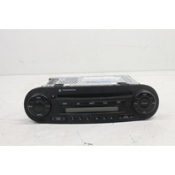2006 Volkswagen Beetle AM FM Radio Tuner 1C0035196L