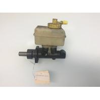 98 99 00 01 02 03 04 05 Volkswagen Beetle brake master cylinderand  reservoir
