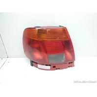 1996 1997 1998 Audi A4 Left Driver Tail Light 8D0945095B Broken Trim Cover Tab