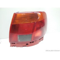 1996 1997 1998 Audi A4 Right Passenger Tail Light 8D0945096B