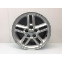 Land Rover Range Rover Discovery 18 x 8 Inch Hurricane Wheel RRC501470 Scratches