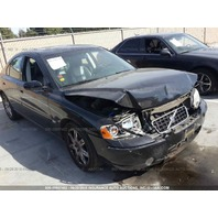 2006 Volvo S60 black automatic FWD hit front for parts