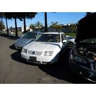 2002 Volkswagen Jetta wagon bad fuel pump white 2.0 5 speed for parts