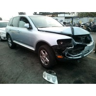 2005 Volkswagen Touareg V6 automatic damaged right front for parts