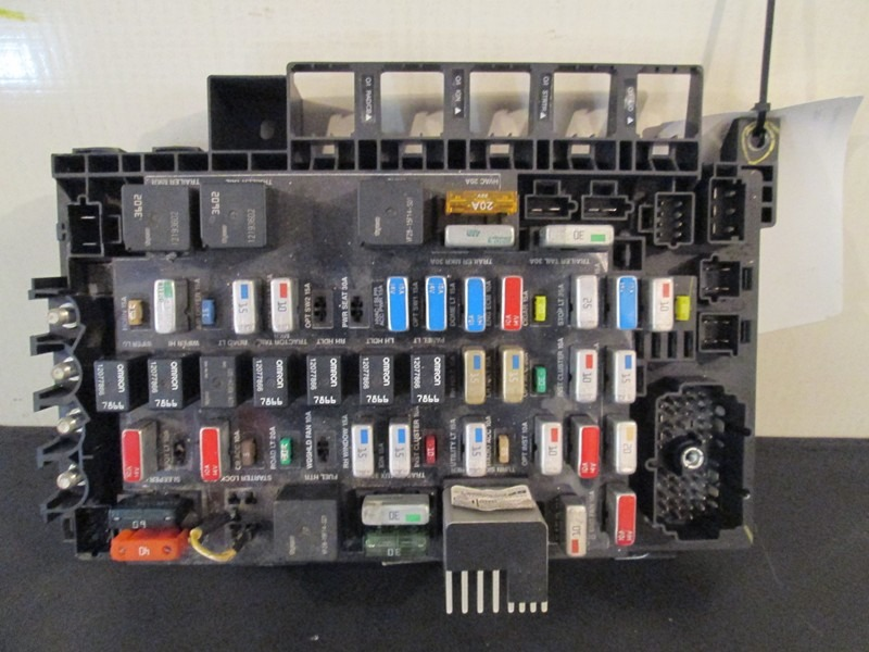 628 10039 freightliner columbia century fuse panel m2 fuse box location fuse types wiring diagram ~ odicis freightliner m2 fuse box location at suagrazia.org