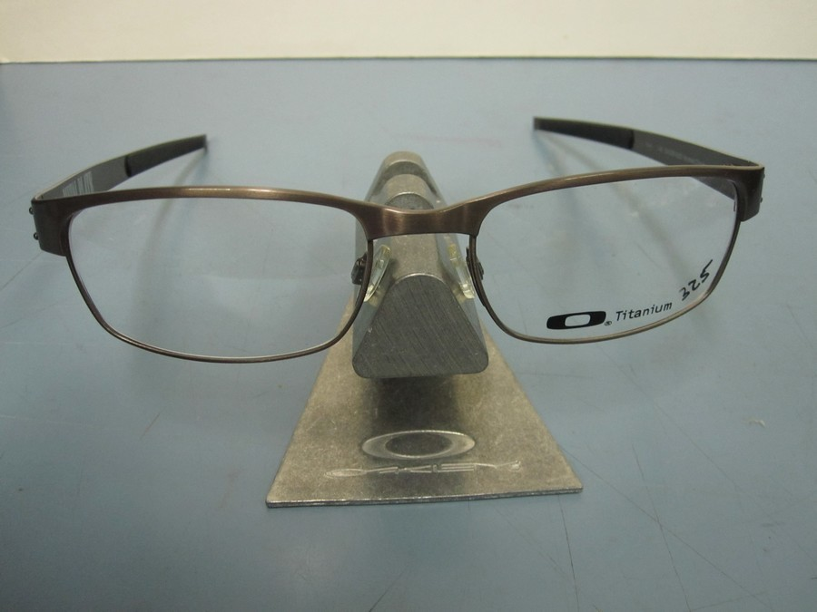 c6e9d3404a Oakley Metal Plate Brushed Chrome « Heritage Malta