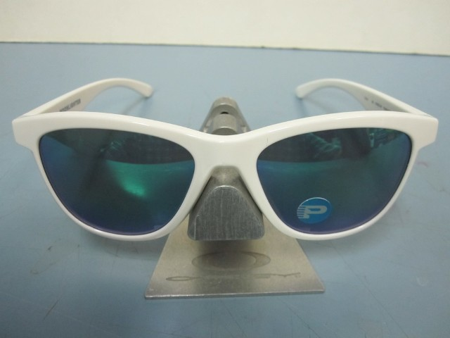 66e0917767 OAKLEY womens MOONLIGHTER sunglass White Jade Polarized OO9320-06 NEW in  Baggy