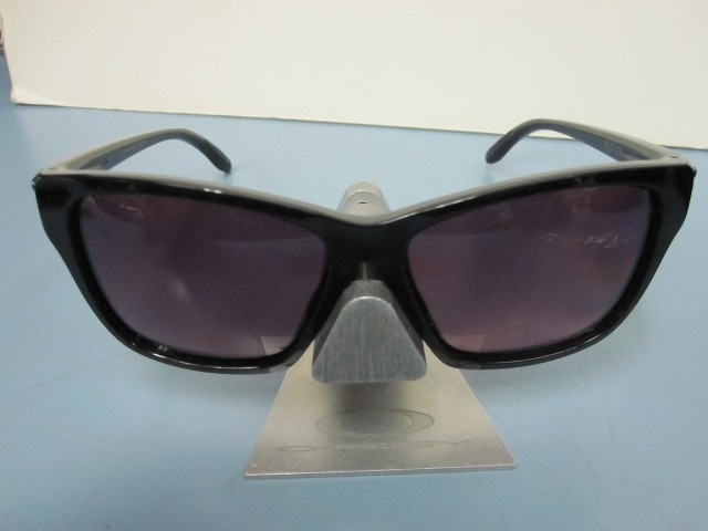 Oakley Womens Hold On Sunglass Black/Rose Gradient Polarized OO9298-02 New