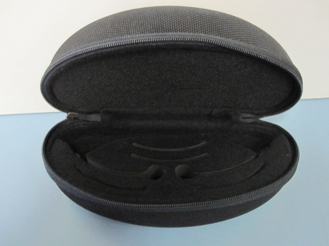 OAKLEY mens RX sunglass frame protective vault clamshell carrying case black SM