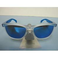 OAKLEY mens FROGSKIN sunglass Matte Clear/Sapphire Iridium OO9013-B255 New