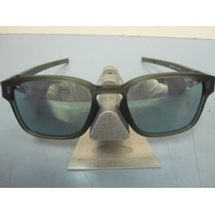 OAKLEY mens LATCH SQ sunglass Matte Olive/Emerald Iridium OO9353-08 New In Baggy
