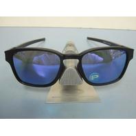 OAKLEY mens LATCH SQ sunglass Black/Violet Polarized OO9353-04 New In O Baggy