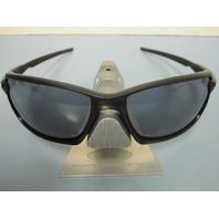 OAKLEY mens CARBON SHIFT sunglass Matte Black/Grey OO9302-01 NEW w/Oakley Baggy