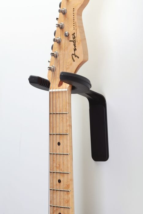 Fender 24 Pack Static Halo Guitar Wall Hanger Free