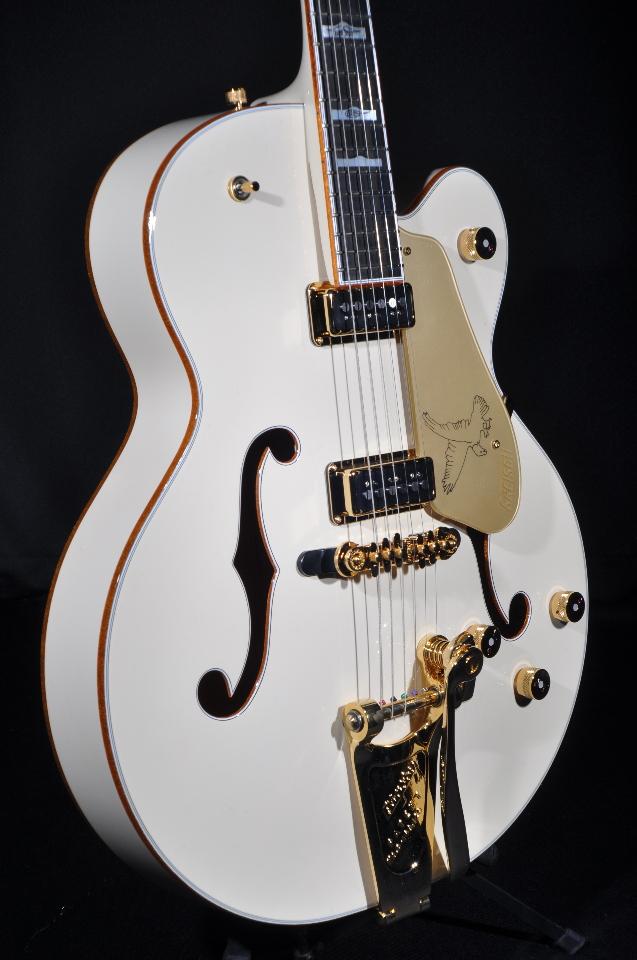gretsch g6136t lds new white falcon guitar w hardshell case. Black Bedroom Furniture Sets. Home Design Ideas