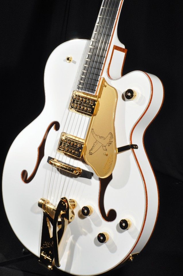 Gretsch G6136T WHT White Falcon Guitar Players Edition Mint W Hardshell