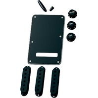 FENDER BLACK ACCESSORY KIT STRAT (0991363000)