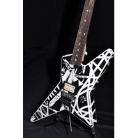 EVH STRIPE SERIES STAR GUITAR BRAND NEW EVH1402256