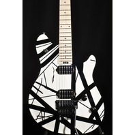 EVH Wolfgang Special Black White Striped Archtop Guitar ''B Stock'' 2018
