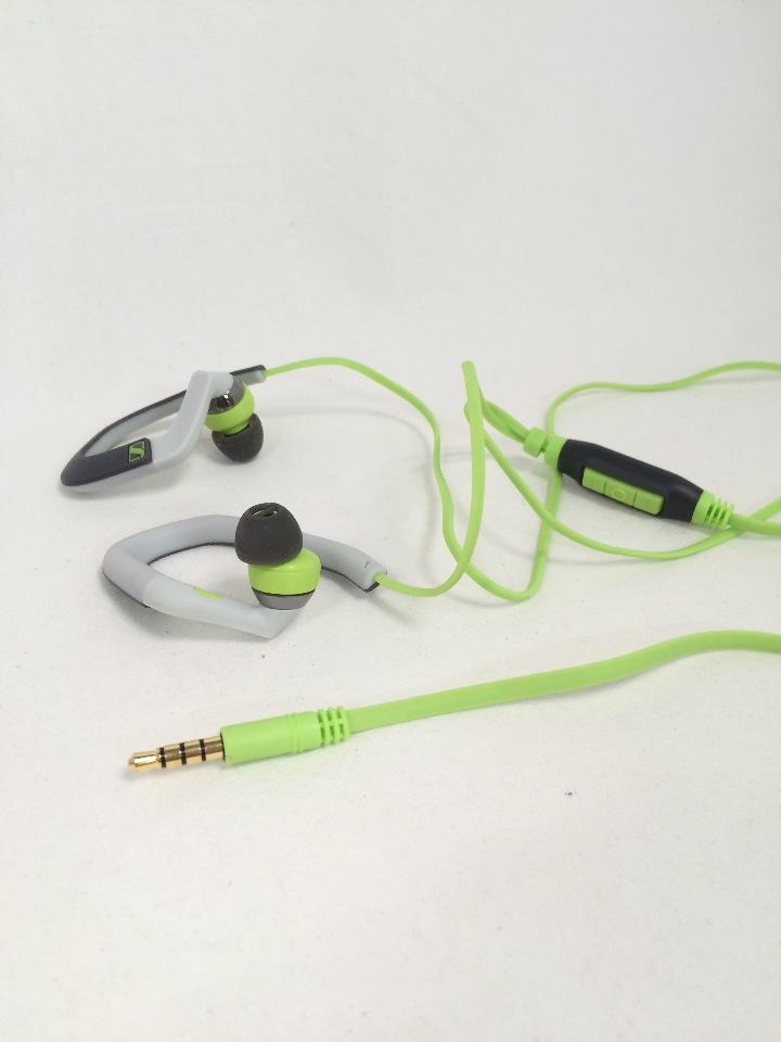 Sennheiser headphones hook up