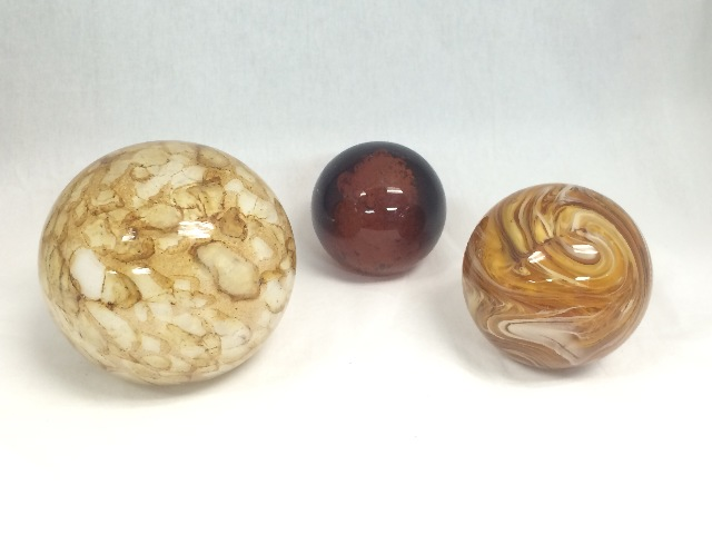 Two's Company Tozai Natural Spheres, Set of 3