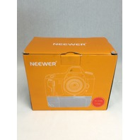 Neewer Vertical Battery Grip for CAN 1100D