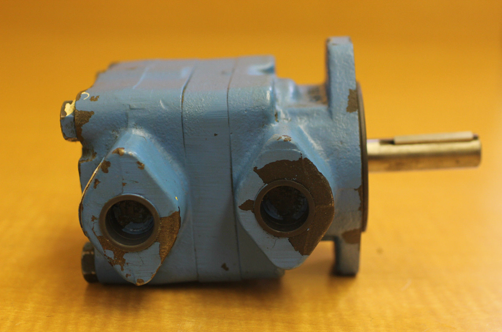 Rblt vickers eaton hydraulic oil pump vane motor 168473 3 for Hydraulic pump with motor