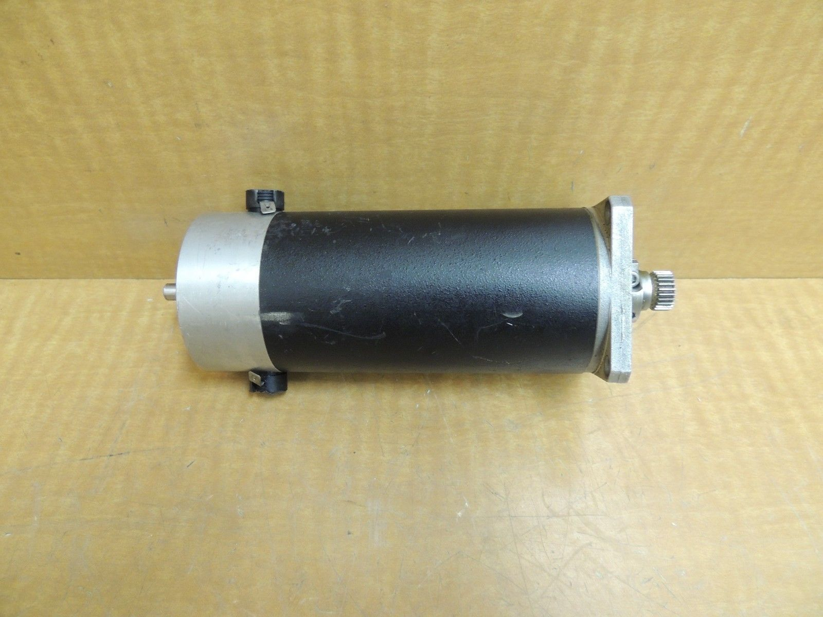Used Mcg Servo Motor Model No Id Part No Id23005 E2 Type