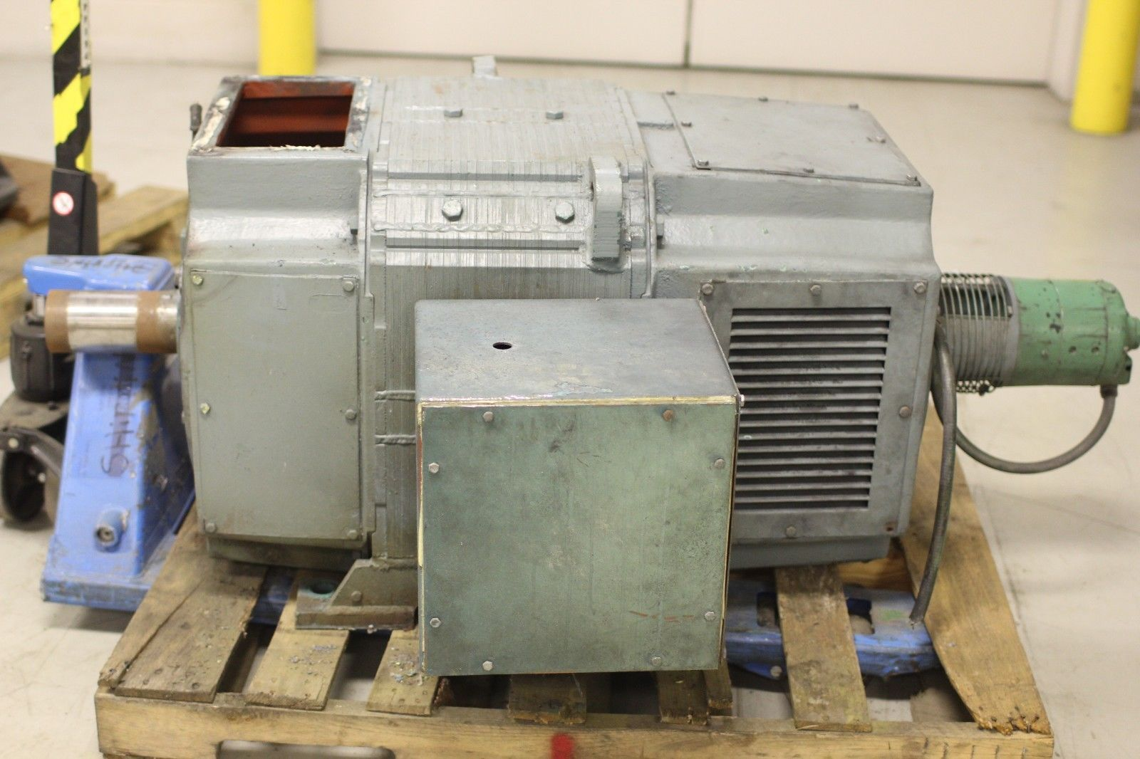 Used reliance electric super rpm dc motor 200 hp 1150 2000 for 200 horsepower electric motor