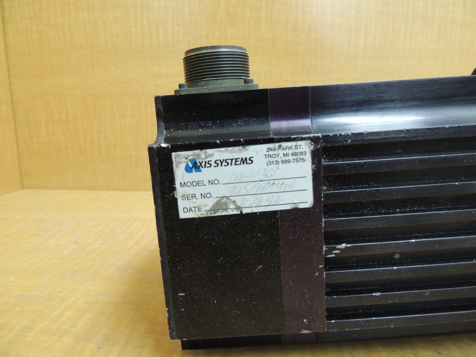 Used Emerson Servo Motor Dxe 430 Max Speed 3000 Rpm Cont