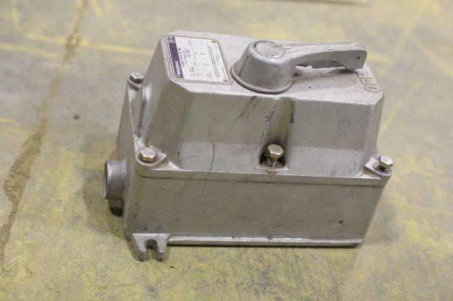 Used Westinghouse Manual Motor Starter 1260c89g01 B100u0c