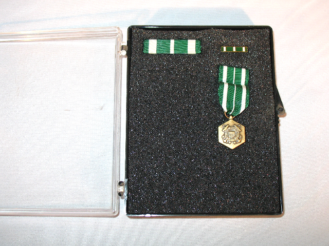 US Coast Guard Commendation Set - Miniature Medal, Ribbon Unit, Lapel Pin