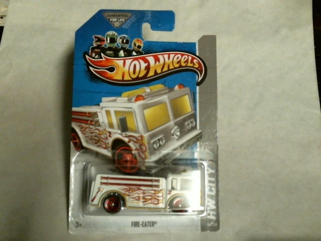 Hot Wheels HW City 2013 Rescue Fire-Eater Treasure Hunts 19/250 X1675 White