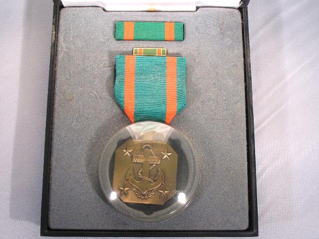 US Navy Achievement Presentation Set - Medal, Ribbon & Lapel Pin
