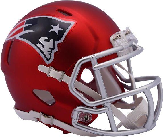NEW ENGLAND PATRIOTS 2017 Riddell NFL Blaze Alternate Speed Mini Football Helmet