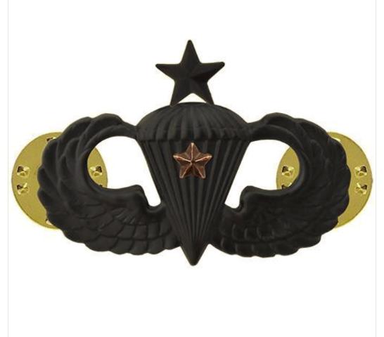 Vanguard ARMY BADGE: SENIOR COMBAT PARACHUTE FIRST AWARD - BLACK METAL