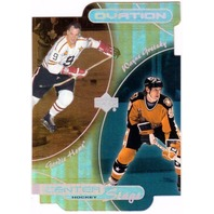 WAYNE GRETZKY GORDIE HOWE 1999-00 Upper Deck Ovation Center Stage Die Cut Card