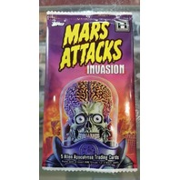 2013 Topps Mars Attacks Invasion Trading Cards Pack (5 Cards)(Sealed)(Random)
