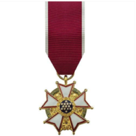 Vanguard Mini Miniature Legion of Merit Military Medal Award LOM-24K Gold Plated